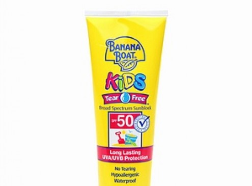 '50 SPF Sunscreen' Sparks Controversy: Child Suffers Second Degree Burns After Applying '50 SPF Sunscreen' Spray [VIDEO]