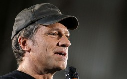 Mike Rowe, the host of Discovery Channel's 'Dirty Jobs', has some unconventional advice for graduating students: Follow opportunity, not their passion.
