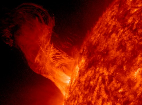 NASA Captures Images Of A Comet Hitting The Sun At A Million Miles An Hour [VIDEO]