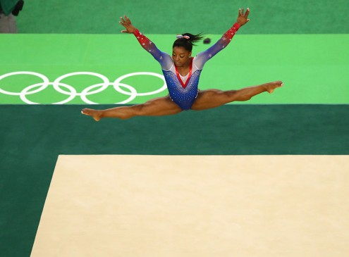 2016 Rio Olympics Results: Simone Biles Bounces Back After Balance Beam Blunder, Earns Fourth Gold Medal