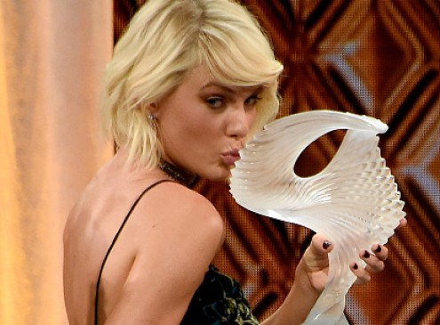 Taylor Swift, Tom Hiddleston News Over: Artist Donates $5K For Jacksonville Student, Her Generosity Outshines Breakup