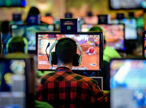 Hardcore Online Gaming Is The New Highlight In Academics: Universities To Set Goals On Interactive Media Degrees? [VIDEO]
