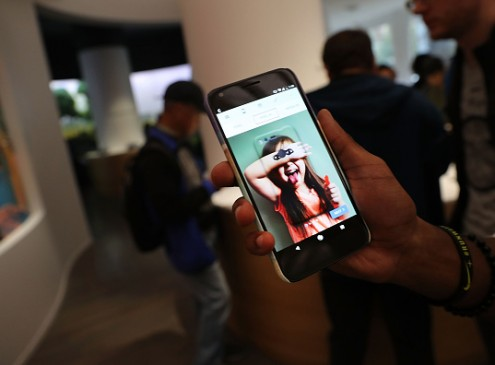 Google's Latest Mobile Tech, 'Pixel' Has Great Camera Quality: At Par With iPhone? [VIDEO]