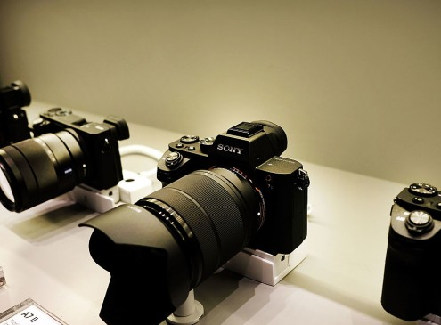 Sony's Pro-Level Compact RX1R II Price Matches Performance? [VIDEO]