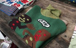 6 Perfect Holiday Gifts For College Students, Sweater Is Not One Of Them
