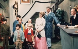 'The Brady Bunch' Stand In Hotel Lobby.