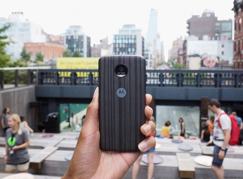 Moto G5 Plus Review: Should You Wait or Buy LG V20 Instead?; Compare Android Experience, Specs, Price