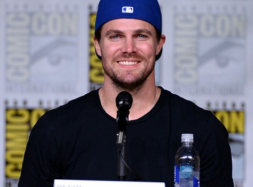 'Arrow' Season 5 Spoilers: Billy's Death Will Lead Felicity To A Darker Path – Everything You Need To Know