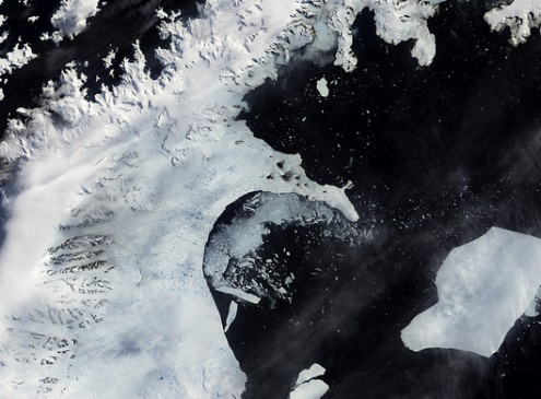 Scientists Discover Massive Channels of Water beneath Floating Antarctic Ice Shelf