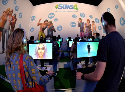 'The Sims 5' News: Maxis Considering VR For Next Installment? EA Mobile Releases Infographics For 'The Sims Free Play' [VIDEO]