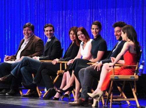 'How I Met Your Mother' Spin-off In Development At 20th TV; 'This Is Us' Garners 3 Golden Globes Nominations [VIDEO]
