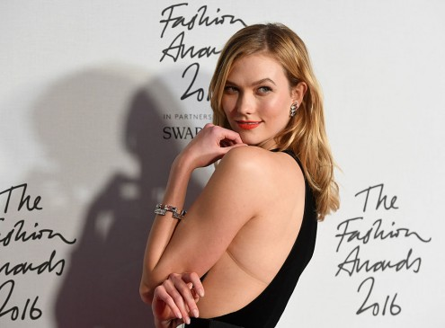 Karlie Kloss Exercises Between Modeling And University Studies