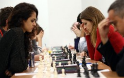 Students on a chess tournament