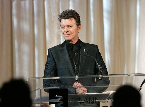 Kingston University Professor Portrays David Bowie, Explains Why He Did It