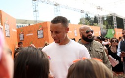 NBA player Stephen Curry greets fans at the Nickelodeon Kids' Choice Sports Awards 2016