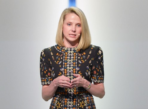 Yahoo's Marissa Mayer Loses Lucrative Bonus, Gives it Away to Employees
