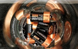 Li-On Battery Inventor Introduces New, Powerful Battery That Uses Sodium