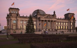 Spring breakers can visit the Reichstag in Berlin for free