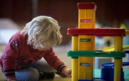Stanford researchers find benefit in delaying kindergarten for kids