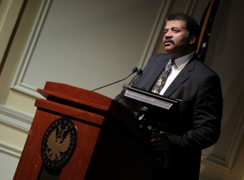 Neil deGrasse Tyson Maintains, Pluto Is A Dwarf Planet