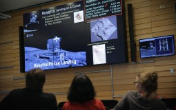 Rosetta Witness Changes To Comet Surface [VIDEO]