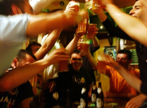 Risk Of Alcoholism Is Higher Among Students Who Stay Longer In College, According To New Survey [Video]