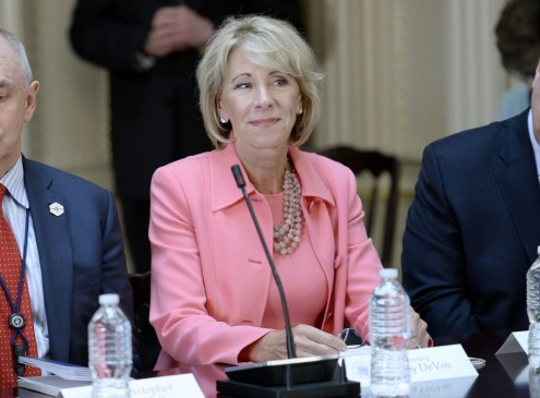Education Secretary Betsy DeVos Withdraws Obama Student Loan Protections [VIDEO]
