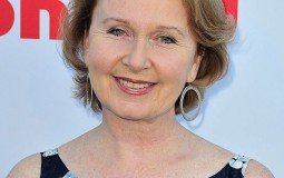 Actress Kate Burton Will Be Your Next Teacher in USC