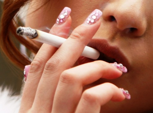 Illinois Governor Signs Law Banning Smoking on Campus