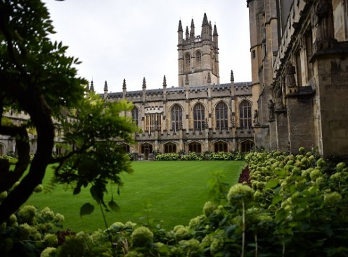 Oxford University Says Students Who Cannot Make Eye Contact Are Racists [VIDEO]