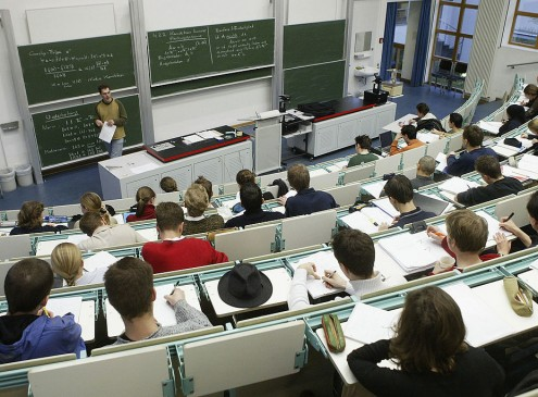 Research Shows That College Classes Should Start In The Afternoon [Video]