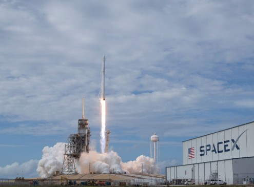 Mission To Mars: NASA And SpaceX Competing On Who Will Be First To Take Humans To Mars [VIDEO]